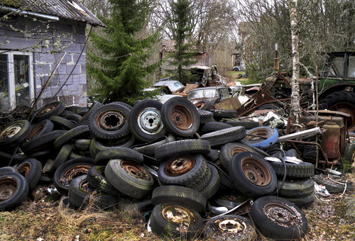 Garbage with old tyres
